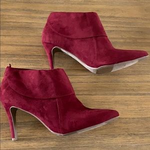 Old navy wine red booties, nwot! Size 8